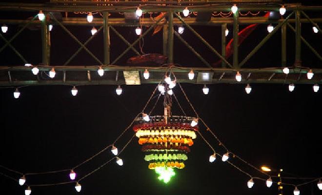 استفاده از انرژی وزش باد برای روشنایی معابر